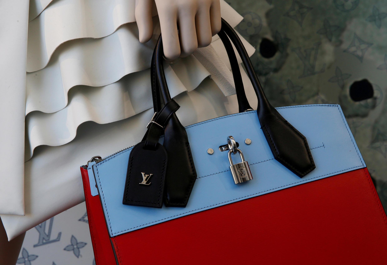 Bolsa da Louis Vuitton à mostra em sua nova loja, em Paris, em 26 de janeiro de 2017.
