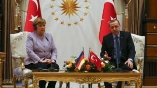 Shugaban kasar Turkiya, Recep Tayyib Erdogan, tare da shugabar Jamus Agela Markel