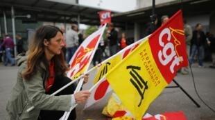 CGT union members preparing to demonstrate in June 2014.
