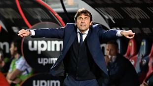 L'entraîneur de l'Inter Milan, Antonio Conte, lors d'un match de Serie A à Crotone, le 1er mai 2021