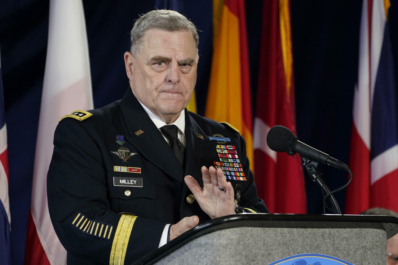 Le chef d'état-major de l'armée de terre américaine, le général Mark Milley, à la base navale de Norfolk, le 15 juillet 2021, à Norfolk, en Virginie.