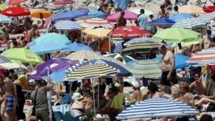 Tourisme de masse dans la vie de Barcelone, en Espagne