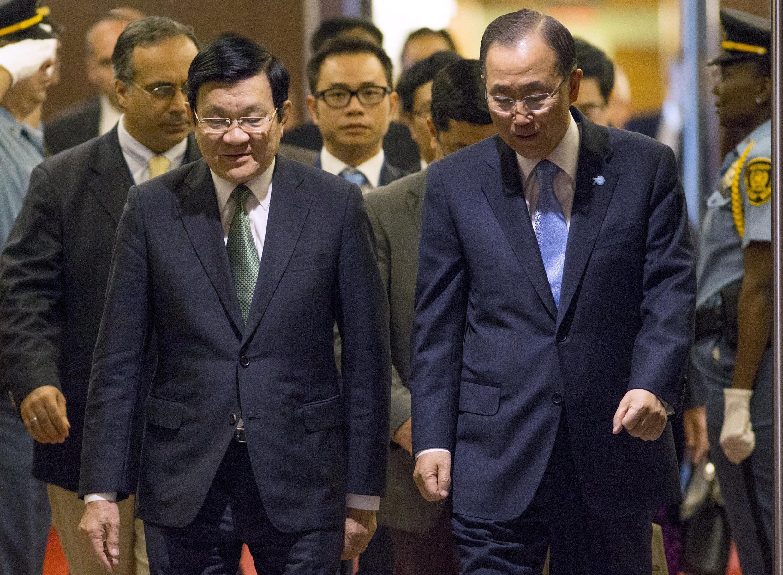 Nhân dịp đến New York dự Đại hội đồng Liên hiệp quốc, Chủ tịch Trương Tấn Sang (trái) đã cố gắng đề cập đến vấn đề Biển Đông với Quốc tế.