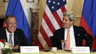 O secretário de Estado americano John Kerry e o chanceler russo Serguei Lavrov