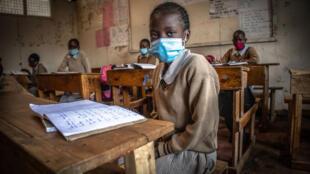 (illustration) Salle de classe au Kenya en temps de Covid-19 en novembre 2020: certaines écoles avaient  pu accueillir partiellement leurs élèves.