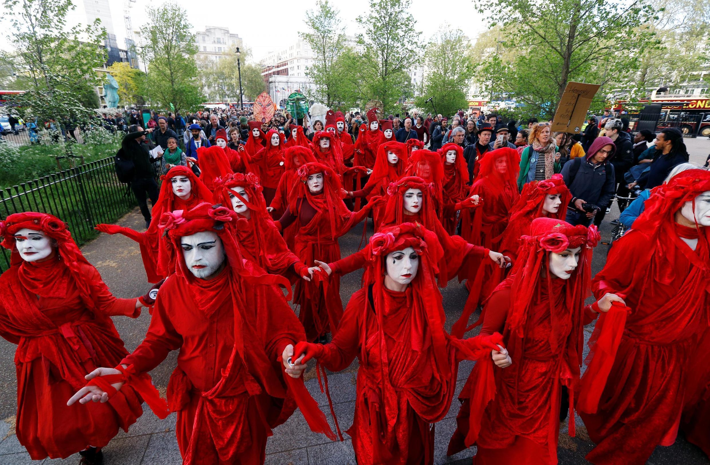 Một nhóm Nổi dậy chống Hủy diệt tuần hành tại Luân Đôn, ngày 25/04/2019.
