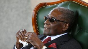 L'ancien président du Zimbabwe Robert Mugabe lors d'une conférence de presse durant laquelle il a annoncé qu'il ne voterait pas pour la Zanu-PF, le 29 juillet 2018.