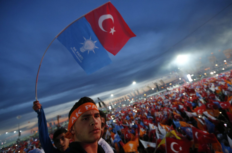 Meeting du parti AKP du Premier ministre Erdogan à Istanbul, le 23 mars 2014.