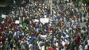 Manifestation contre le président Michel Martelly, le 18 novembre à Port-au-Prince à Haïti.