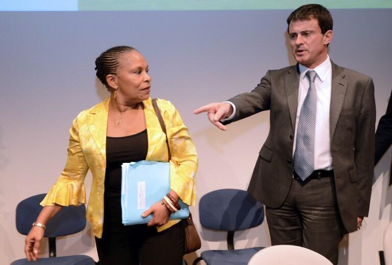 存档图片:法国司法部长陶比拉(左)和内政部长瓦尔斯(右)