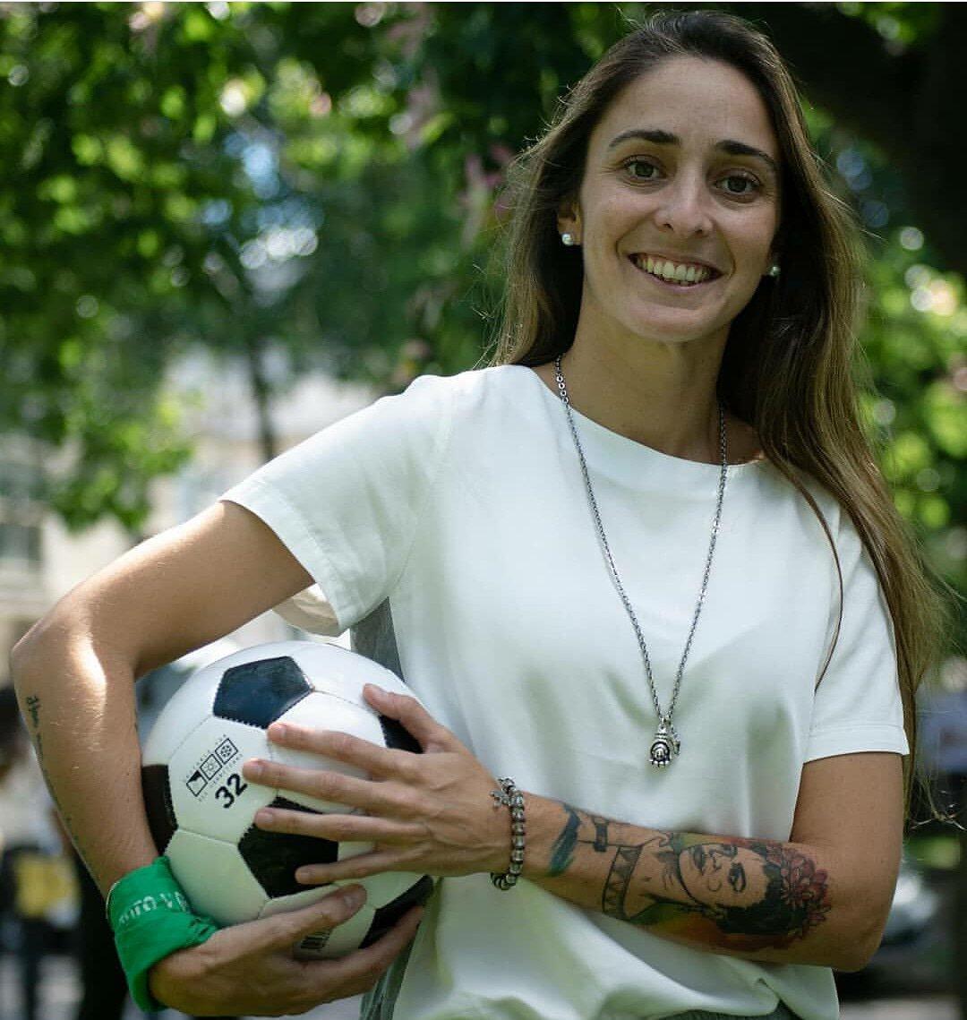 Maracera Sánchez juega de forma profesional en el San Lorenzo.