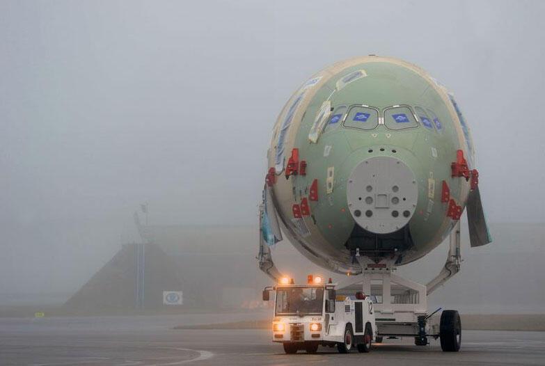 L'A350 en décembre 2011 à Toulouse.