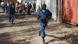 Les mutins ont reconnu l'échec de la tentative de coup d'Etat et plusieurs de leurs chefs ont été arrêtés. Les forces de sécurité loyalistes reprennent le contrôle de la capitale le 15 mai 2015.