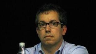Bernardo Carvalho escritor contemporâneo brasileiro durante a 28° bienal de São Paulo.