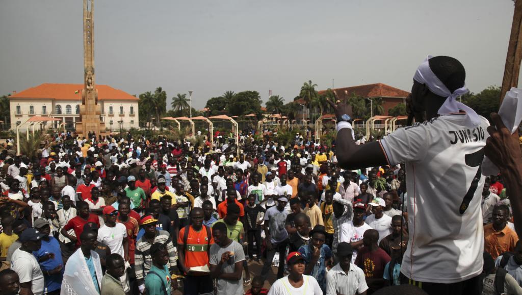 Imagem de arquivo de jovens em Bissau denunciando falta de segurança, quando os Inconformados voltam às ruas de Bissau, este sábado, 20 de janeiroestão