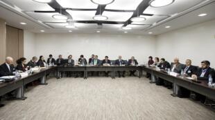 Các bên tham gia cuộc hòa đàm cho Syria tại trụ sở của Liên Hiệp Quốc, Genève, ngày 18/03/2016.
