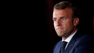 Франция, подтвердив в своей лаборатории факт отравления оппозиционера «нейротоксичным веществом ''Новичок''», требует от России «безотлагательно» установить обстоятельства и виновных в преступлении, — заявил Макрон в телефонном разговоре с Путиным утром 14 сентября.
