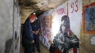 Les cataflics, la brigade spéciale chargée de patrouiller dans les catacombes de Paris.