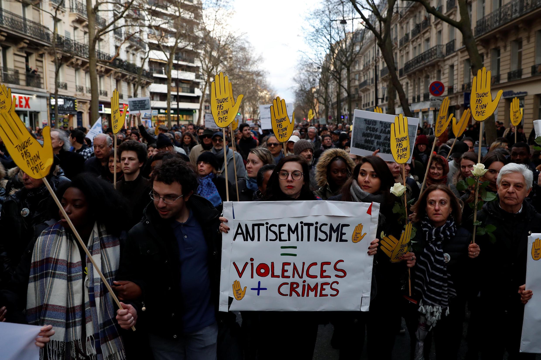 Manifestantes reunidos en París el pasado 28 de marzo para expresar su repudio al antisemitismo, pocos días después del asesinato de una anciana judía.