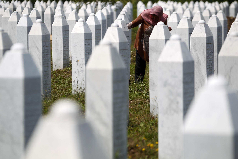 Monumento del Genocidio de Srebrenica en Potocari, Bosnia y Herzegovina.
