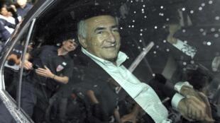 Polícia francesa interroga Strauss-Kahn no âmbito da investigação iniciada por uma suposta tentativa de estupro em 2003.