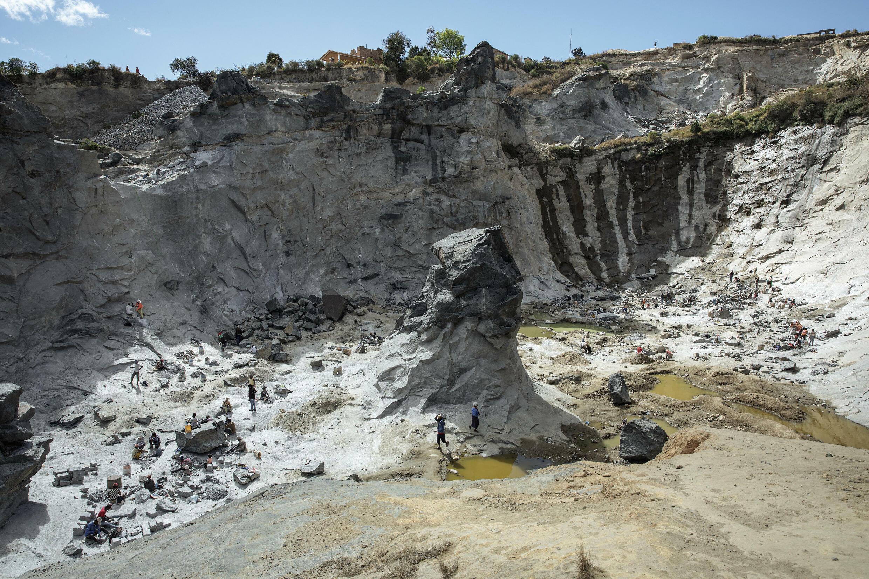 Madagascar - Akamasoa - mine granite