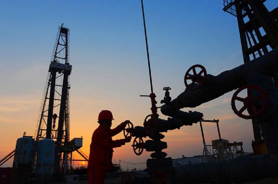 معافیتهای شش ماهۀ اعطاء شده از سوی ایالات متحد آمریکا به هشت کشور خریدار نفت ایران، روز پنجشنبه پایان یافت