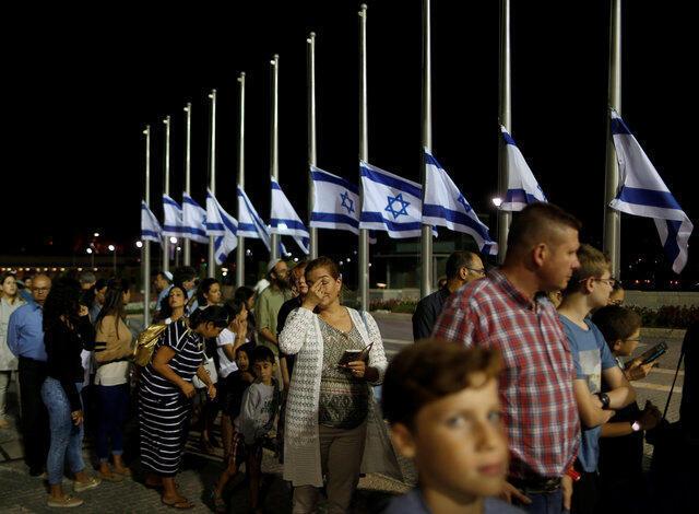 佩雷斯灵柩安放在耶路撒冷国会大楼内,以色列民众前往吊唁。2016-09-29