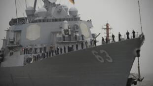 """美国海军驱逐舰""""斯特蒂姆""""号访问上海"""