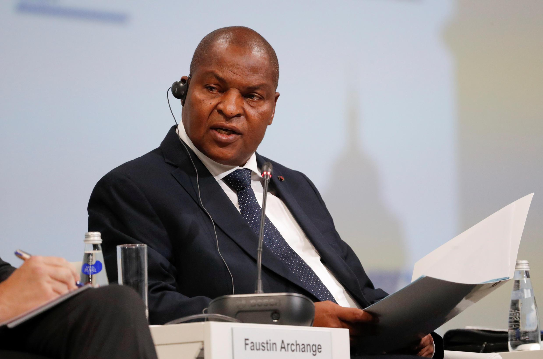 Президент ЦАР Фостен-Арканж Туадера парафировал мирное соглашение между правительством и 14 вооруженными группировками