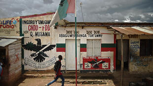 HRW accuse le parti au pouvoir au Burundi de commettre des abus contre les opposants au référendum constitutionnel.