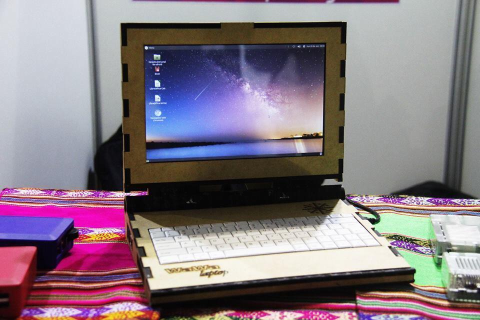 Le Wawa Laptop est fait en fibre de bois et est destiné aux enfants défavorisés qui ont besoin d'un meilleur accès aux outils numériques notamment en classe.