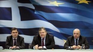 Conferencia de prensa del ministro de Finanzas griego, Evangelos Venizelos, este 9 de marzo de 2012 en Atenas.