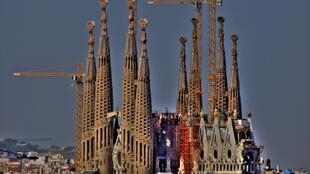 Entamée en 1882, la construction de la Sagrada Familia devrait être achevée entre 2025 et 2030.