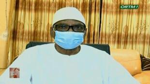 Le président malien Ibrahim Boubacar Keïta annonçant sa démission à la télévision nationale détenu par les puschistes.