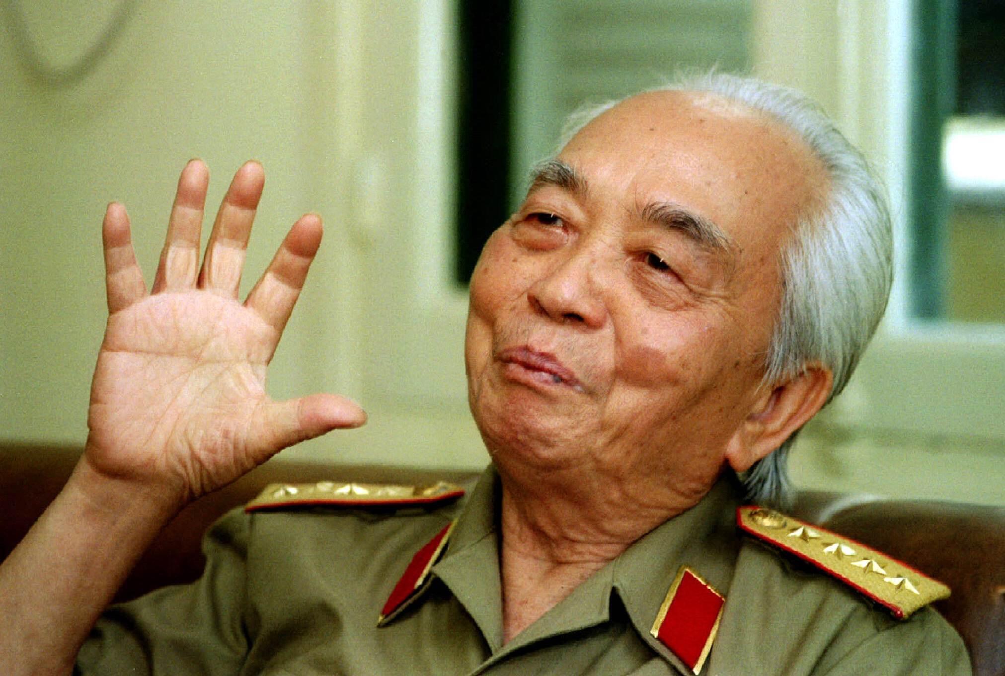 Đại tướng Võ Nguyên Giáp trong một lần trả lời phỏng vấn truyền thông nước ngoài tại Hà Nội ngày 22/8/1995.