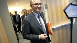 O ministro da Economia francês, Pierre Moscovici, comemorou a obtenção de mais prazo para reduzir o déficit de 4,8%.