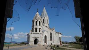 2020-10-08T131617Z_2085978250_RC2DEJ9ZZWHY_RTRMADP_3_ARMENIA-AZERBAIJAN