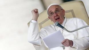 Papa Francisco quer o endurecimento das medidas para punir os culpados de crimes de pedofilia na Igreja Católica.