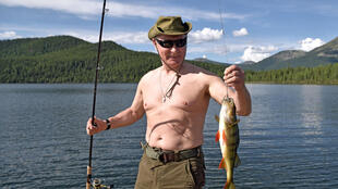 Владимир Путин на рыбалке в республике Тува.
