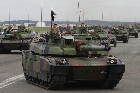 Французские танки Leclerc, по данным журналистского расследования, используются Саудовской Аравией в Йемене.