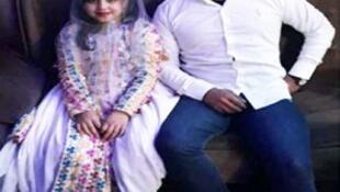 """""""فاطیما"""" دختر ۱۱ ساله که در """"بهمئی"""" از شهرستانهای استان """"کهگیلویه و بویراحمد"""" به ازدواج پسردایی ۲۲ ساله خود درآمد. """""""