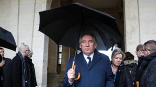François Bayrou, leader du Mouvement démocrate, arrive à la cérémonie nationale du défunt lieutenant-colonel Arnaud Beltrame à l'hôtel des Invalides à Paris, le 28 mars 2018.