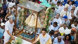 La Vierge de la Charité du Cuivre lors d'une procession le 8 septembre 2009 à La Havane.