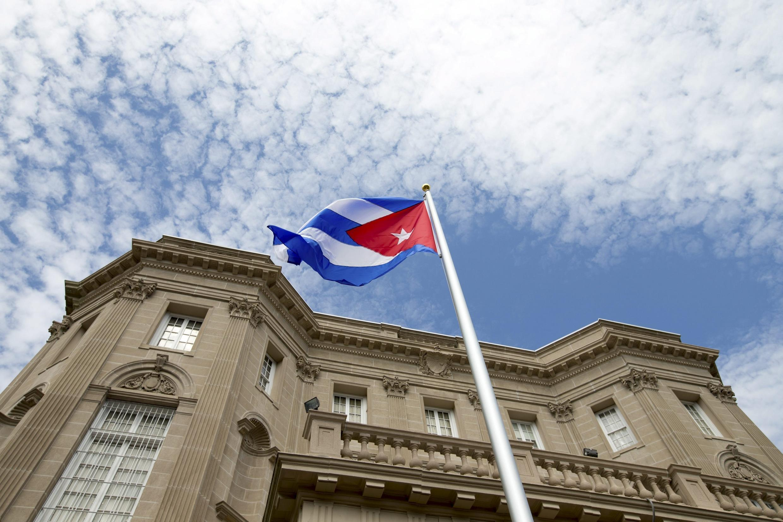 Cuba thay đổi một loạt chính sách sau khi quan hệ với Hoa Kỳ được tái lập. Trong ảnh, đại sứ quán Cuba mở cửa tại Mỹ, ngày 20/07/2015.