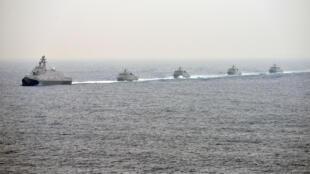 Hải quân Đài Loan tập trận gần cảng Cao Hùng ngày 27/01/2016.