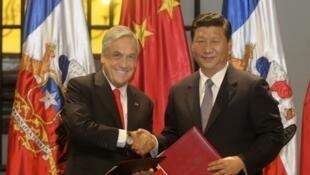 El Presidente de Chile Sebastián Piñera, recibió esta tarde en el Palacio de La Moneda al Vicepresidente de la República Popular China, Xi Jinping, quien realiza una visita oficial