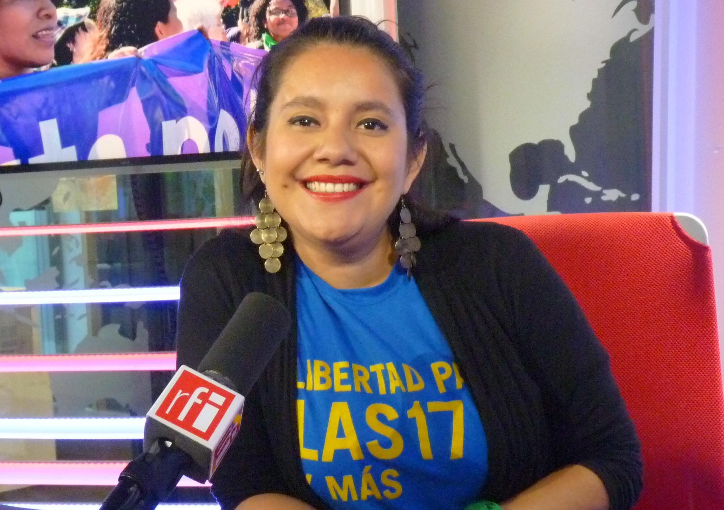 Sara García Gross en los estudios de RFI