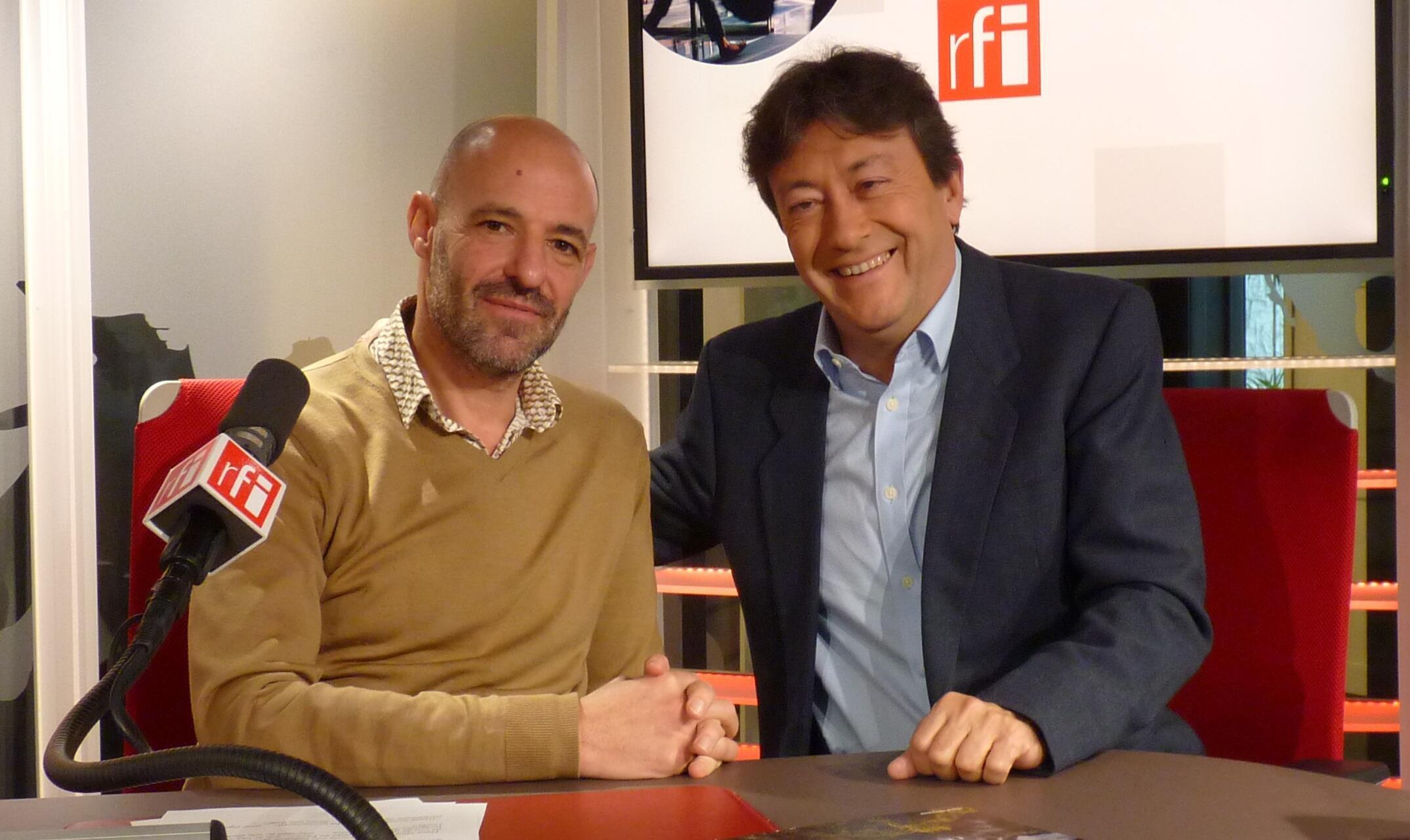 Miguel Rothschild y Jordi Batallé en el estudio 151 de RFI