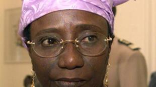 Une femme au pouvoir : l'ancienne Premier ministre du Sénégal Mame Madior Boye le 3 mars 2001.